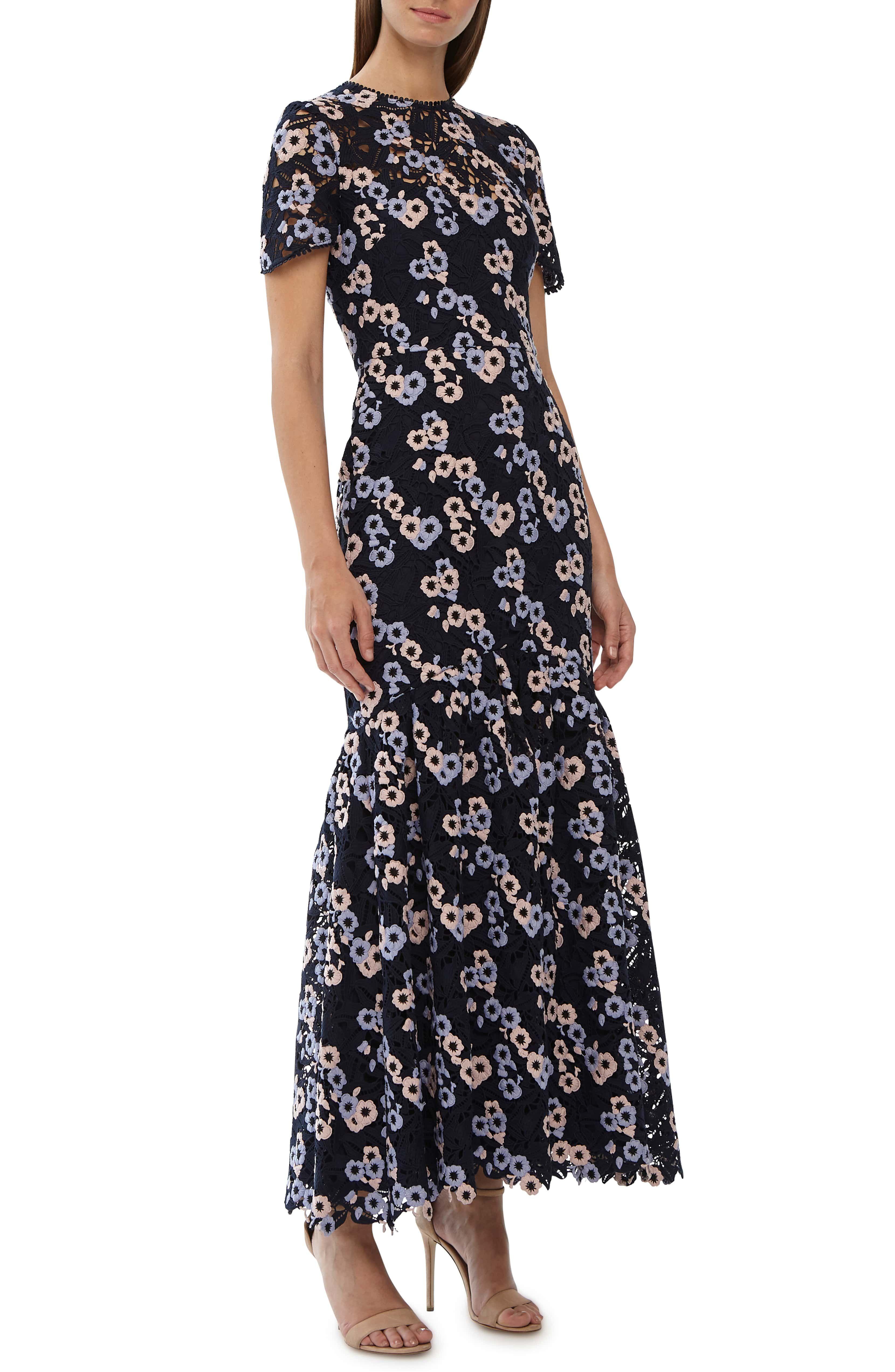 731ab9c8ef8 ML Monique Lhuillier Embroidered Lace Evening Dress