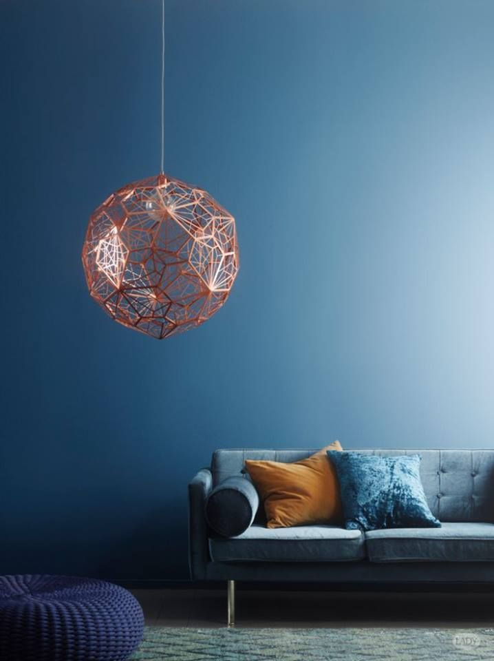 The lamp Etch Web is a jewel in this room; Tom Dixon experimented with mathematics and geometry to create a shadow play pendant light. Perfect for the URBAN CONTRAST or the CLASSIC ELEGANT interior. The wall colour is 4625 Nordisk hav by Jotun.