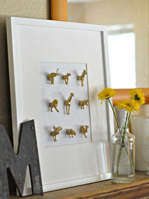 25 Easy (Virtually Free) Home Decor Cover-ups Empty wall, Living