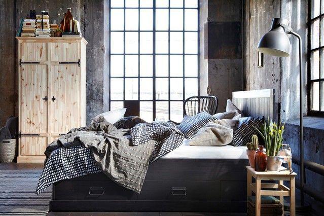 Per la sua fabbricazione può essere utilizzato legno non piallato, metallo lucido, decorato con rivetti diversi. Camera Da Letto Ikea In Stile Industriale Ikea Bedroom Industrial Style Bedroom Interior Industrial Decor Bedroom Bedroom Design