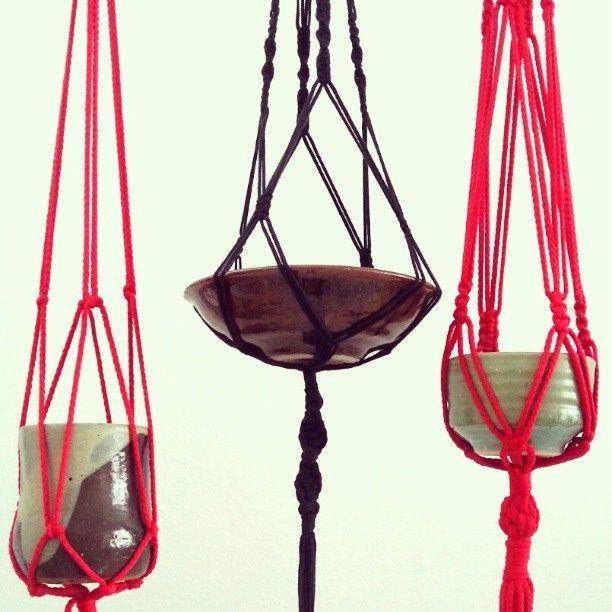 fabriquer un filet pour des plantes suspendues cage d 39 escaliers pinterest macram. Black Bedroom Furniture Sets. Home Design Ideas