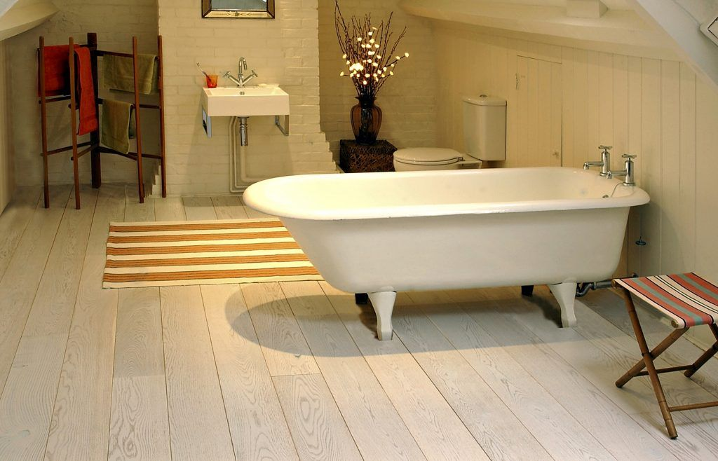 How To Choose The Best Flooring For Bathroom Tempat