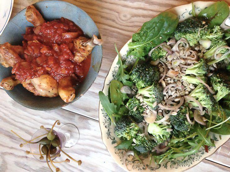 Kyckling med broccolisallad – MATHJÄRNA