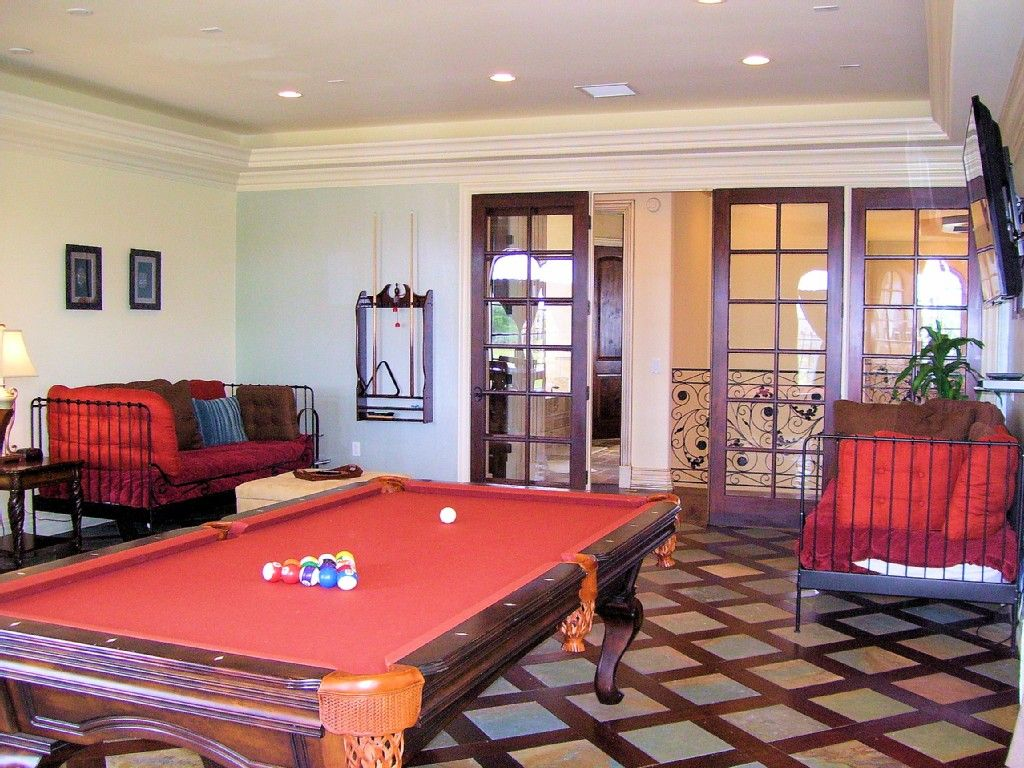 2nd Floor Game Room With 2 Day Beds, French Doors Close