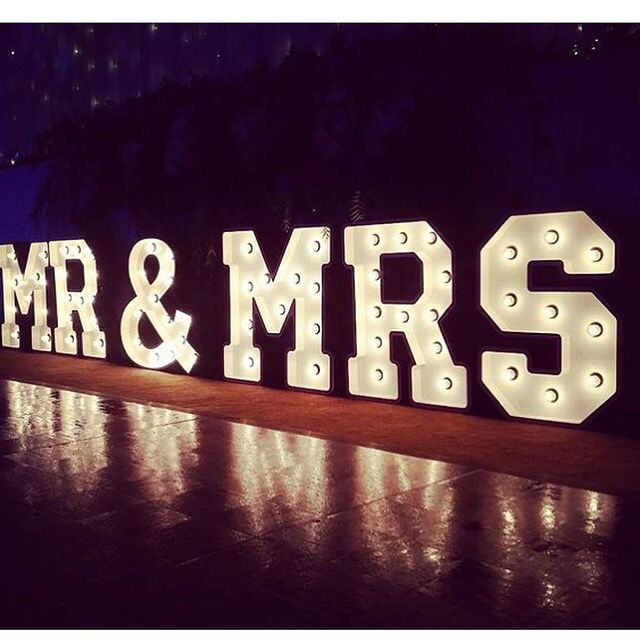 mr mrs light up letters the perfect way to light up your bridal
