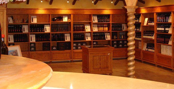 **Wine Shop Borgo Rocca Sveva - Soave, Verona