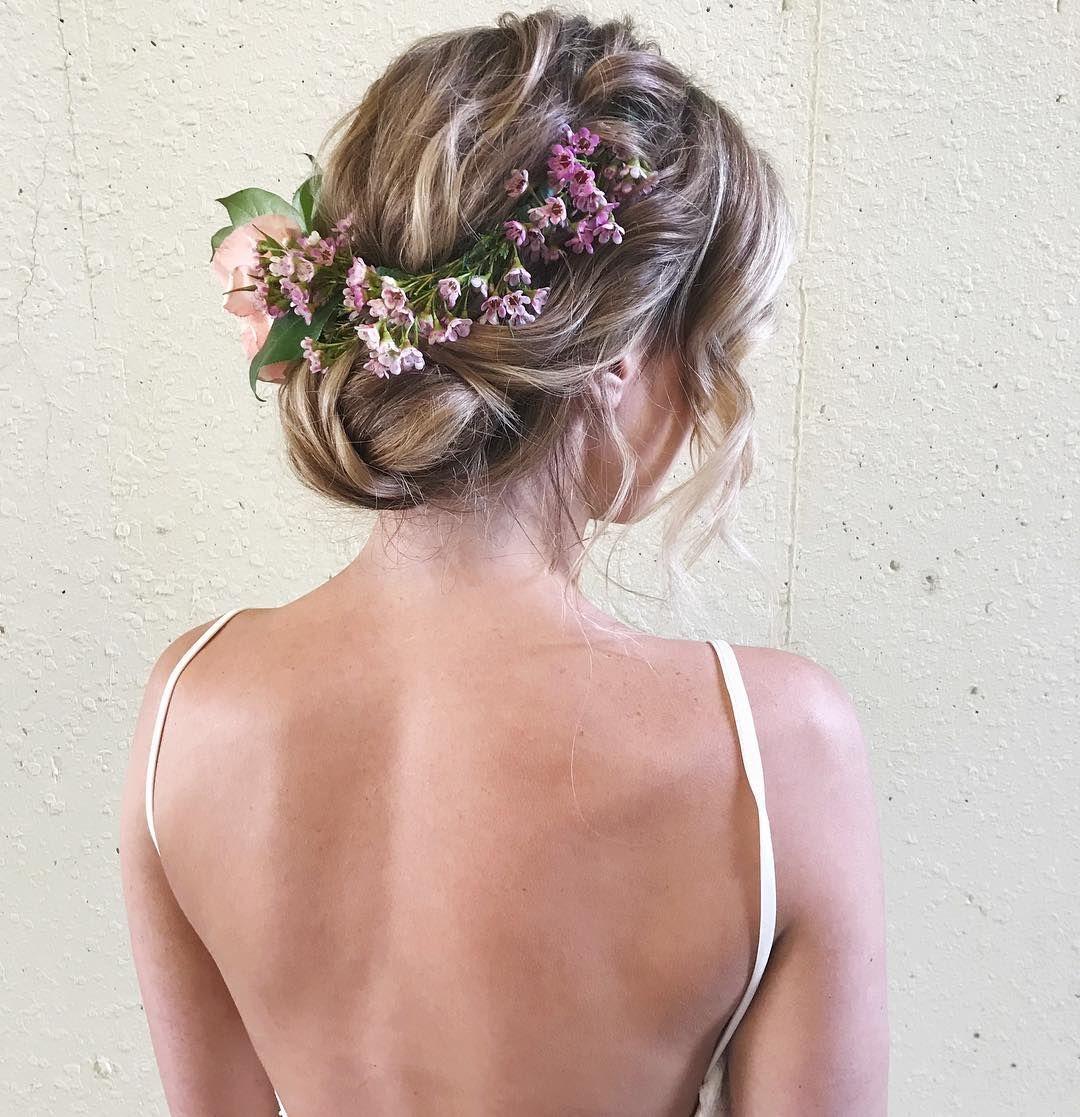 Effortless Bridal Updo Hairstyle Fabmood Wedding Colors Wedding