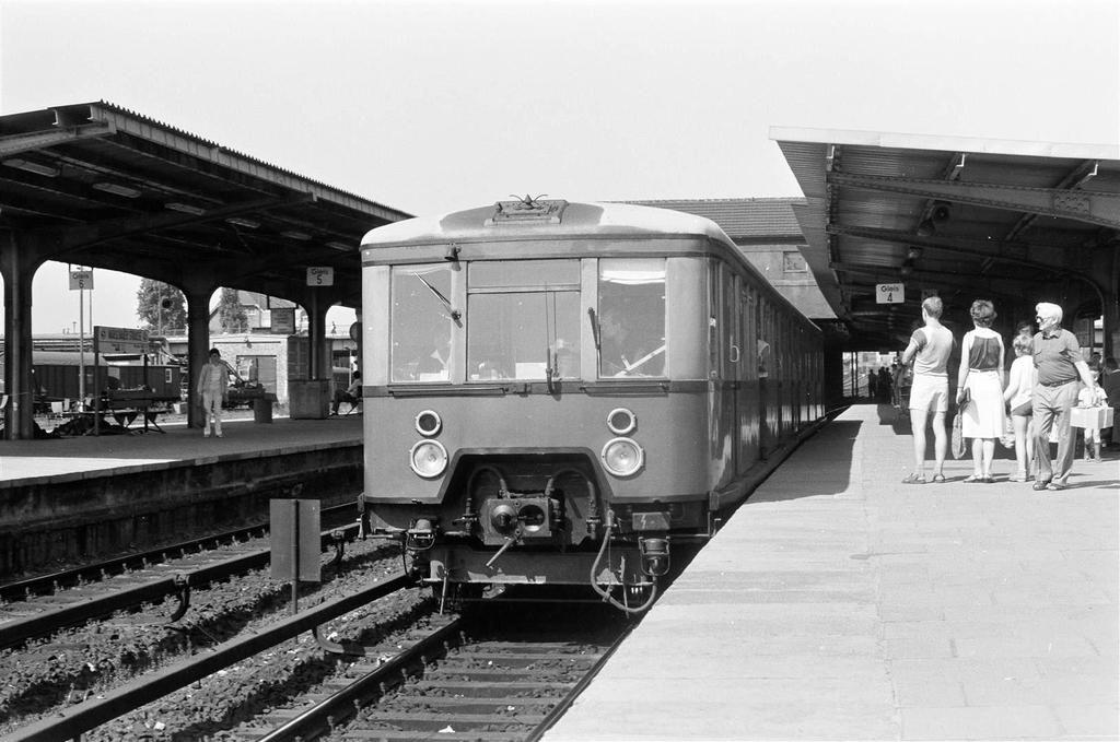 Bahnhof Warschauerstrasse 1985 (mit Bildern) S bahn