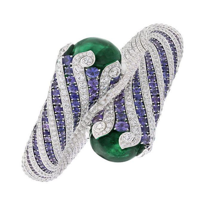 เพชรมรกต: Van Cleef & Arpels 'Twist' Bracelet In Emeralds, Sapphires