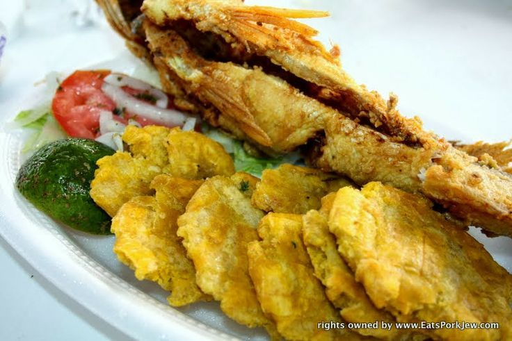 Whole Fried Corvina With Tostones Or Pacatones At The Fish Market In Casco Vi Panama Bocas Del Toro Corvina Fish Recipes Easy Fish Recipes Fish Recipes
