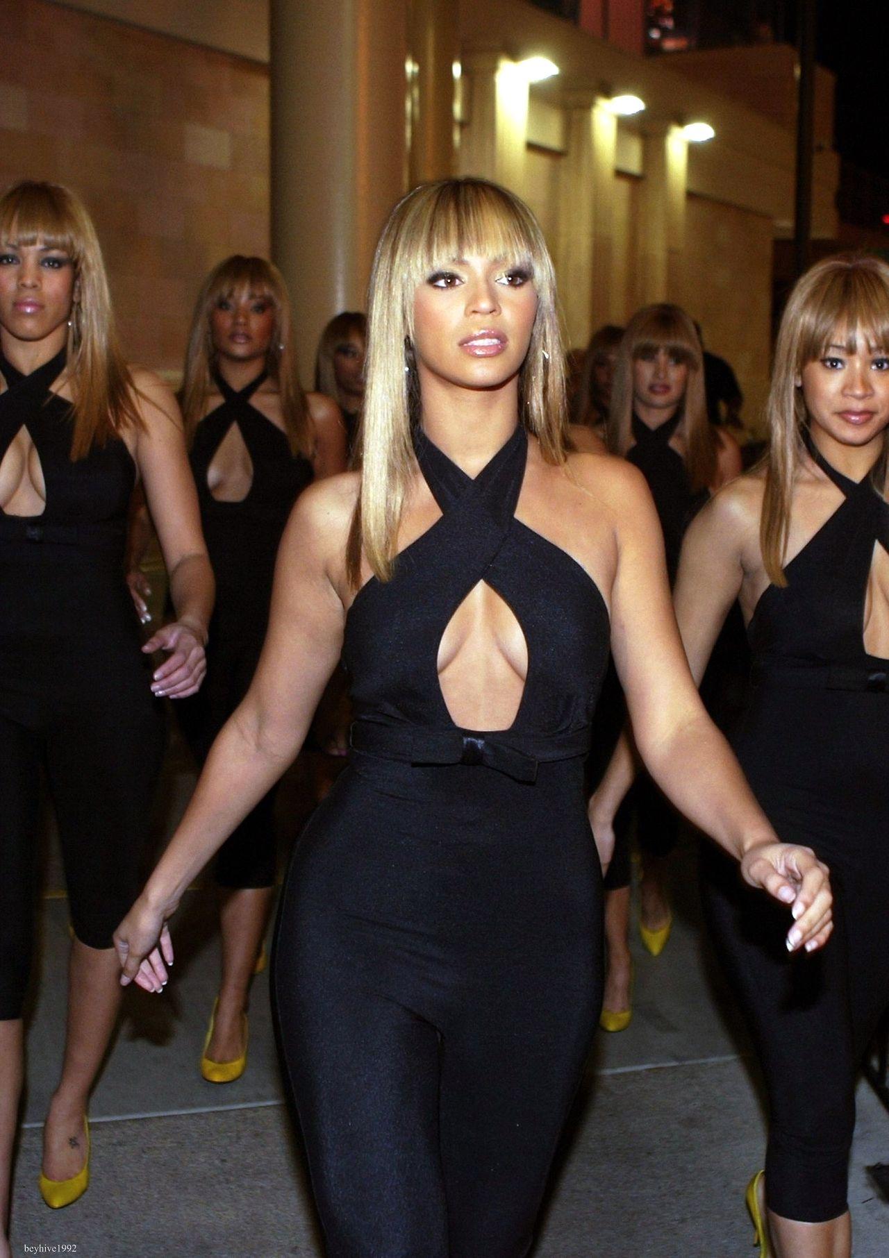 b58a894ecb2e Beyoncé 2003-04 billboard awards