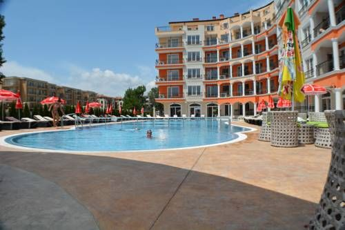 Avenue Deluxe Hotel Sunny Beach Located 300 metres from the Black Sea shore in Sunny Beach, Avenue Deluxe Hotel offers an outdoor pool and a restaurant. Free WiFi access is available in all areas of the property and free private parking is possible on site.