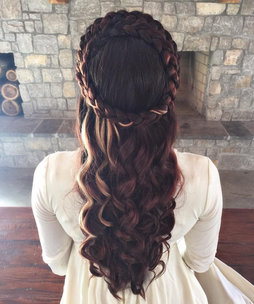 Pin By Haley Brunson On The White Clothes Renaissance Hairstyles Medieval Hairstyles Long Hair Styles