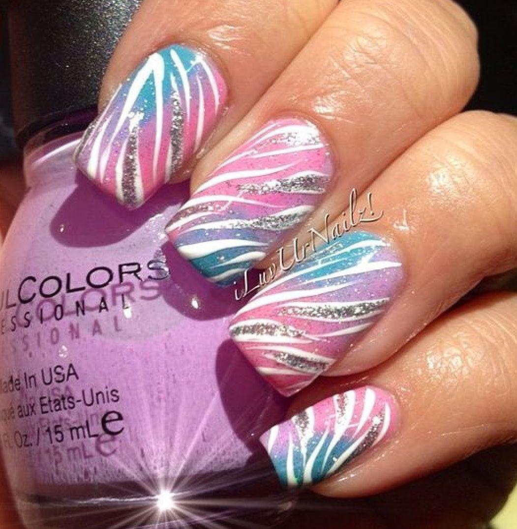 Beautiful zebra striped nails!