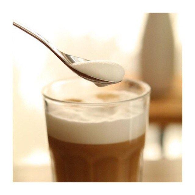 """Genießen Sie ihre Latte Macchiato zuhause genauso stilvoll wie beim Barista um die Ecke. Latte Macchiato Löffel Set """"One Extra"""" bestehend aus 6 matten Latte Macchiato Löffeln aus hochwertigem 18/10 Edelstahl in schöner Geschenkverpackung.  #puresigns #coffee #besteck #design #lifestyle #einrichtung #wohnen #küche #lattemacchiato"""