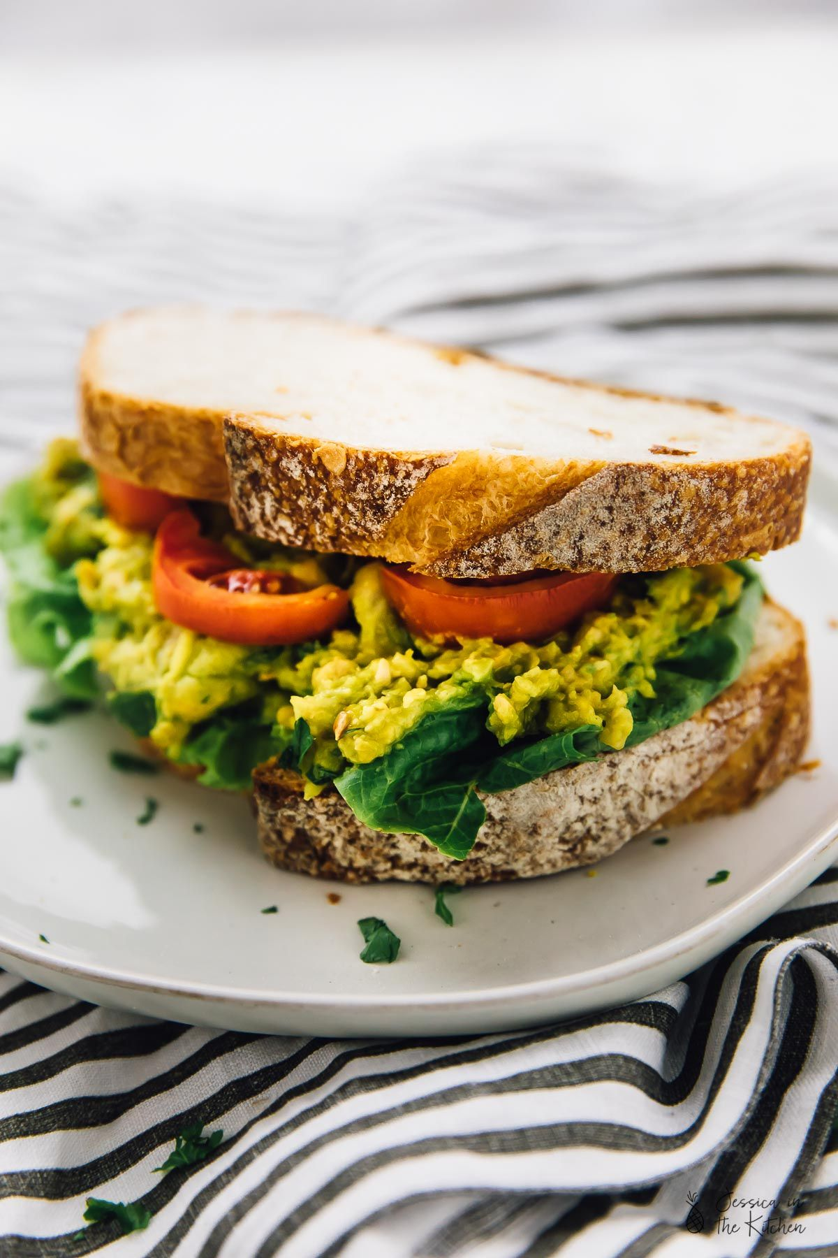 This Smashed Chickpea Avocado Sandwich Is Loaded With So Much Delicious Flavour It S Super Easy Vegetarian Sandwich Recipes Vegetarian Sandwich Vegan Sandwich