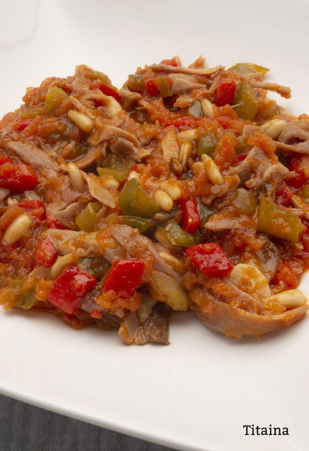 Titaina Ventresca D Atún Salada C Cebolla Piñones Y Salsa D Tomate Verduras Comida Mariscos