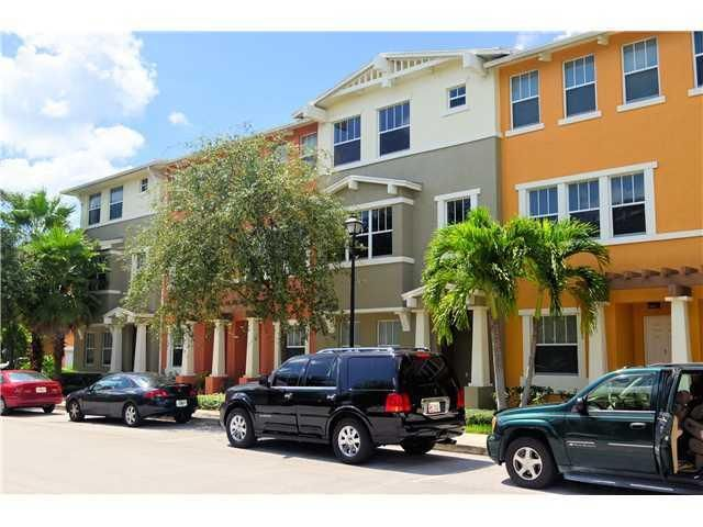 Elena Glatko Has Just Listed A Rental In City Side West Palm Beach West Palm Beach West Palm Beach Florida Downtown West Palm Beach