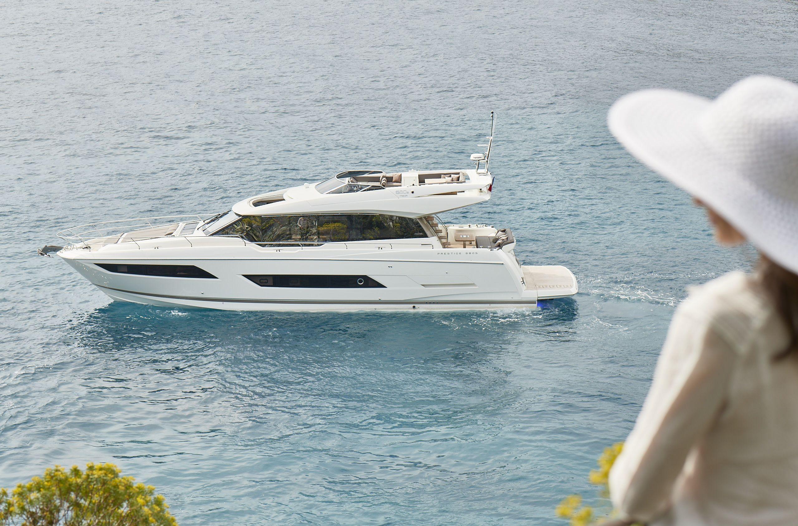 photos yacht prestige 680 s prestige yachts bateaux de luxe prestige 680s pinterest. Black Bedroom Furniture Sets. Home Design Ideas