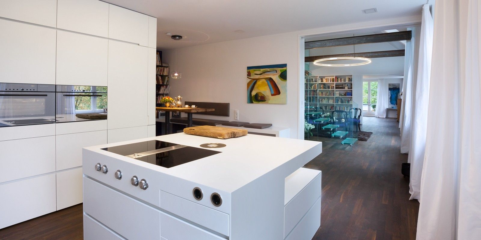 Kochinsel mit Bora-Dunstabzug. Blick ins Kamninzimmer | Küchenideen ...