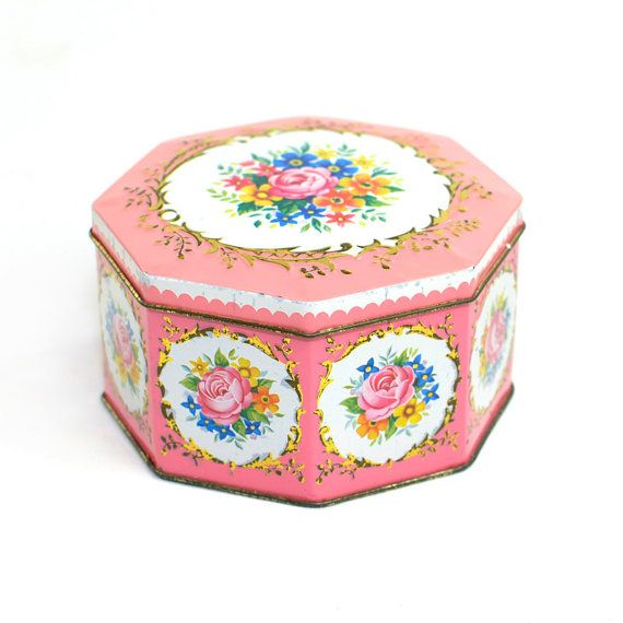Pink Floral Tin Trinket Box, Made In England   Colorful Shabby Roses,  Cottage Chic Style, Octagon Shape   Vintage Home Bedroom Vanity Decor