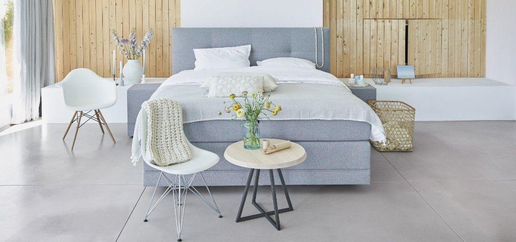 Lichte en frisse slaapkamer met de boxspringbedden van Avek voor ...