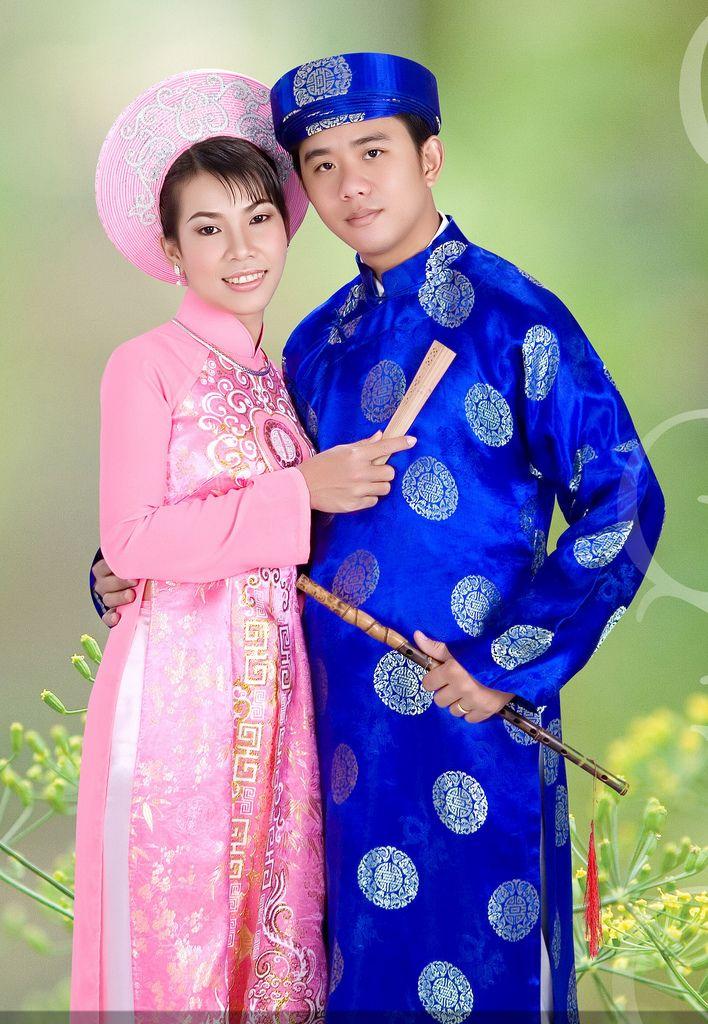 Vietnamese dress (ao dai). ///////. Vietnamese/English wedding invitation @ www.ThiepCuoiCali ...