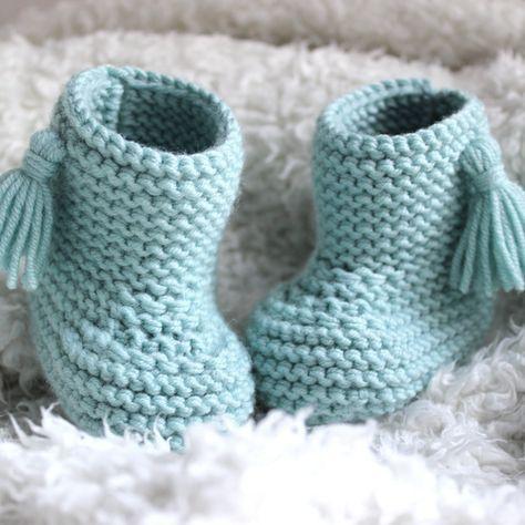 605863f072302 Chaussons avec pompons tout doux pour bébé
