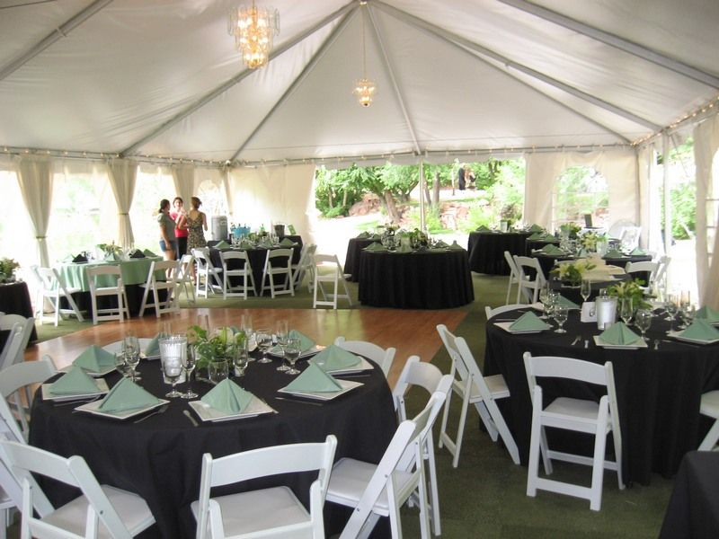 Round Tables That You Can Rent For Your Special Event A Way You Can Decorate Your Table Setting Using One Of Our Round Table Settings Table Decorations Table