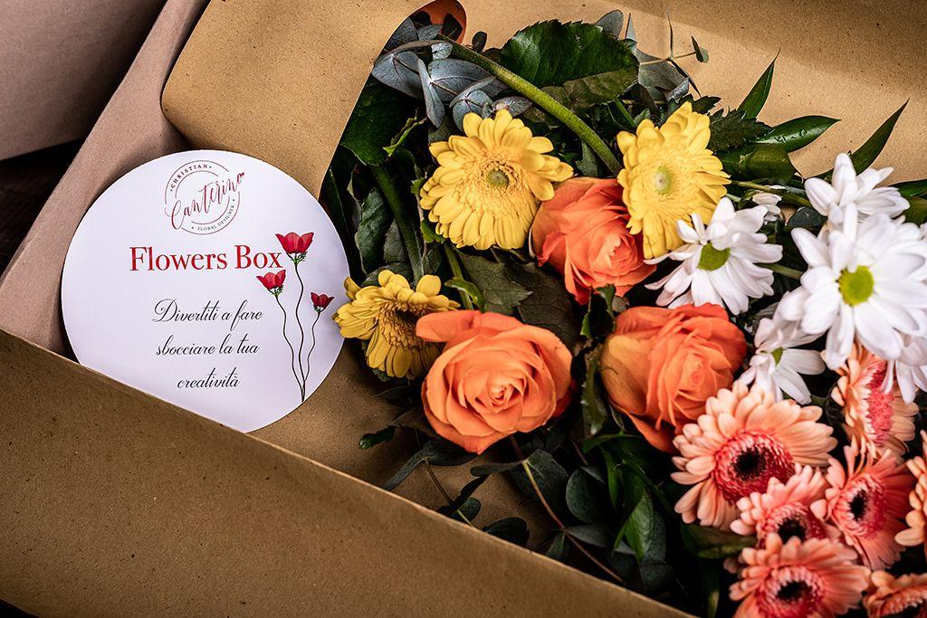 Flowers Box Di Christian Canterino Fai Sbocciare La Tua Creativita Nel 2020 Composizione Di Fiori Composizione Di Fiori Recisi Composizioni Floreali