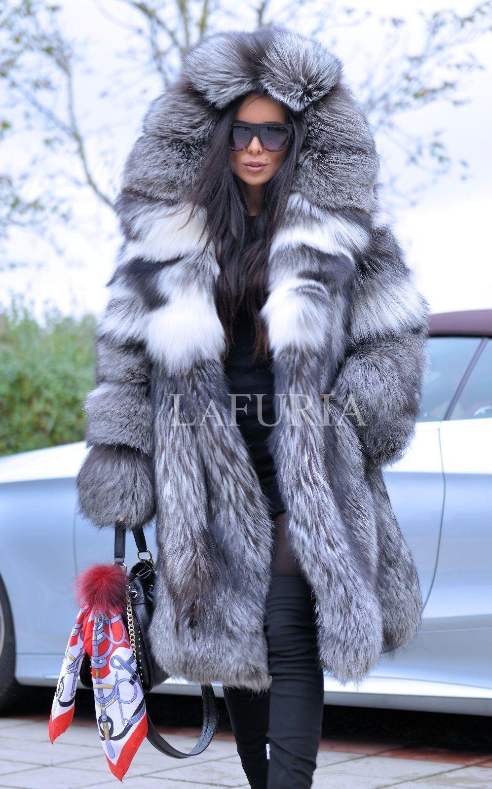 fur in Beautiful coat blonde