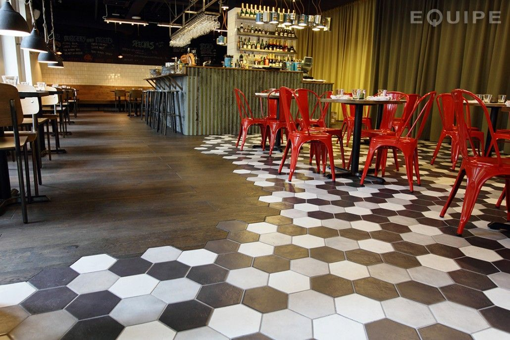 Combinació Fusta Rajol Tuile Restaurant Concept Bar Helsinki Hostel
