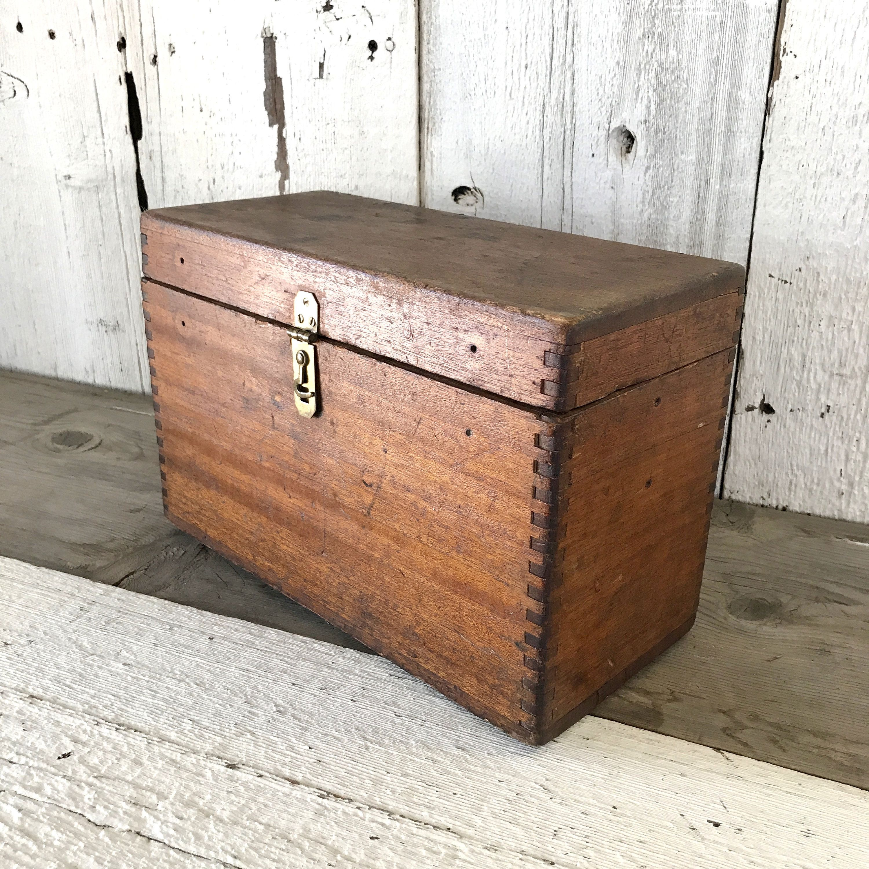 Antique Wood Tool Box With Dovetail Joints Vintage Wooden Box With Hinged Lid Machinist Tool Box Vint Wood Tool Box How To Antique Wood Vintage Boxes Wooden