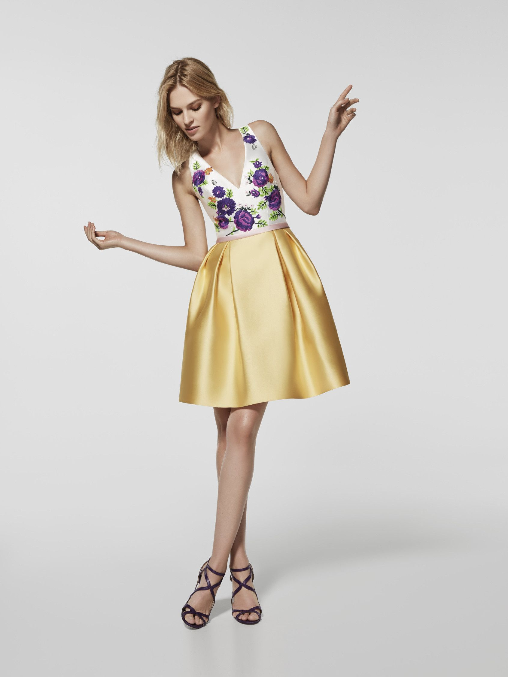8ceff2344 Vestido de fiesta (modelo GRADEA) de color amarillo con un escote ...