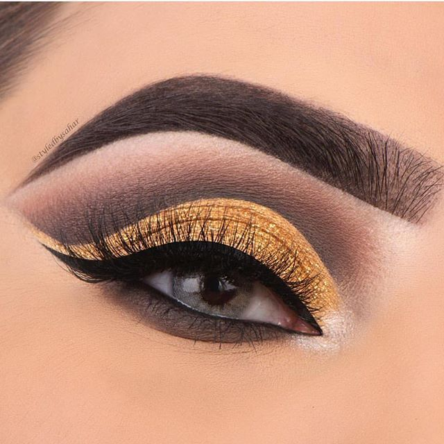 Golden eyeshadow