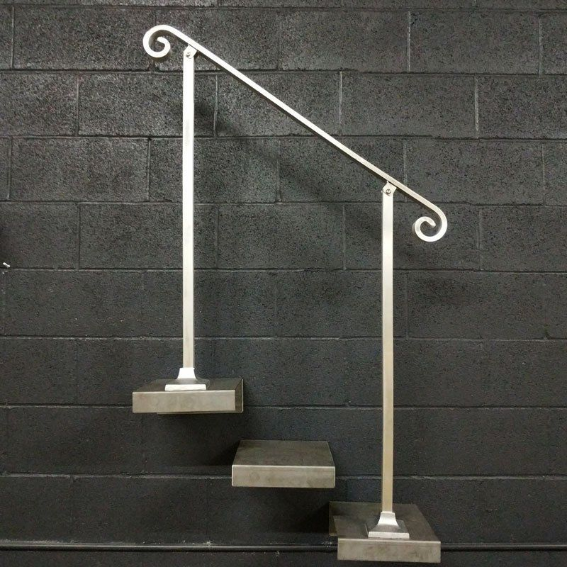 Best 2 3 4 Or 5 Foot Aluminum Handrail For Stairs With Base 400 x 300