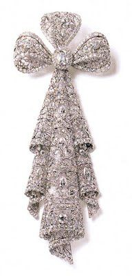Lace bow brooch, Cartier 1906. Amazing