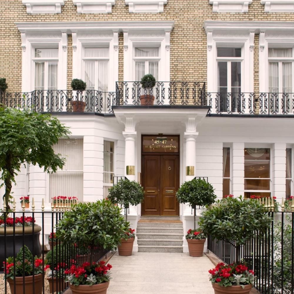 Executive House Apartments: Beaufort House, Knightsbridge. Luxury Serviced Apartments