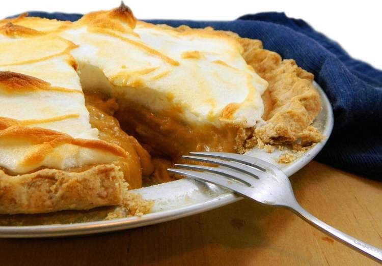 Sugar Free Dessert Of The Month: Diner-Style Peanut Butter Pie