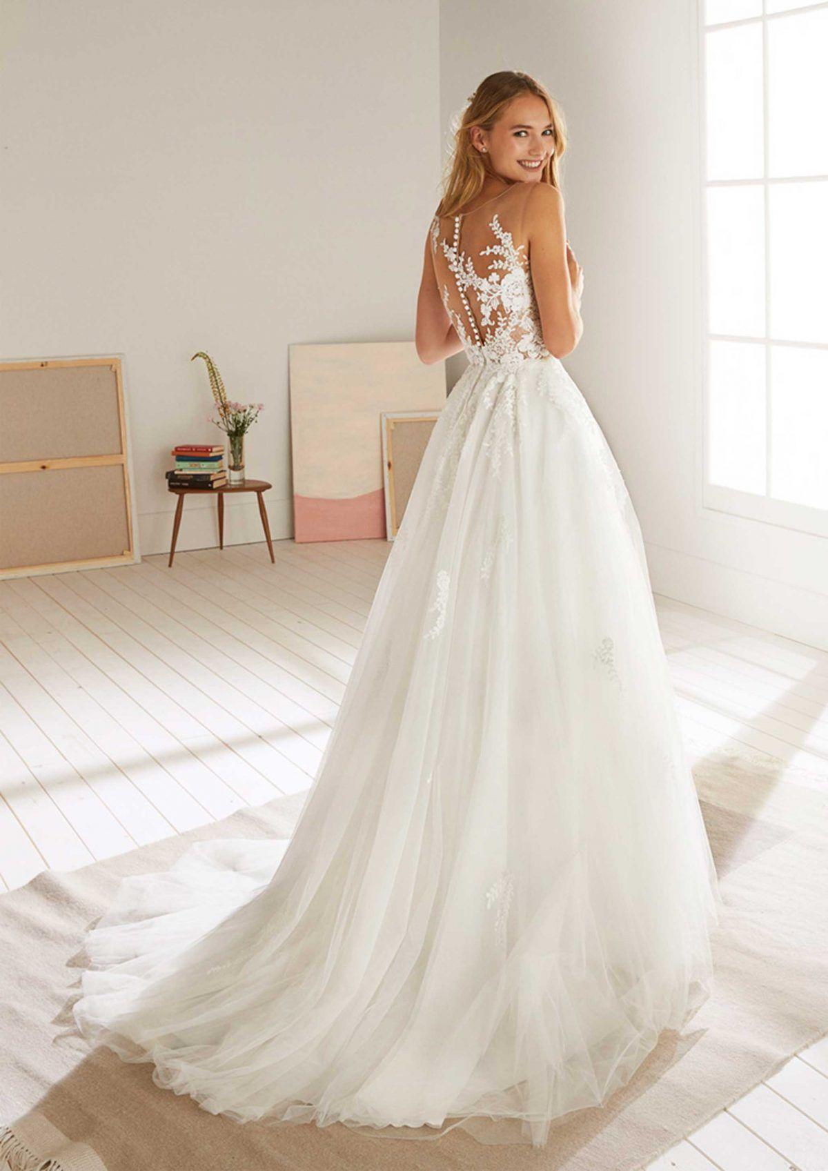 Brautmode White One  Brautkleid Oropesa  Brautkleid stoff, Kleid