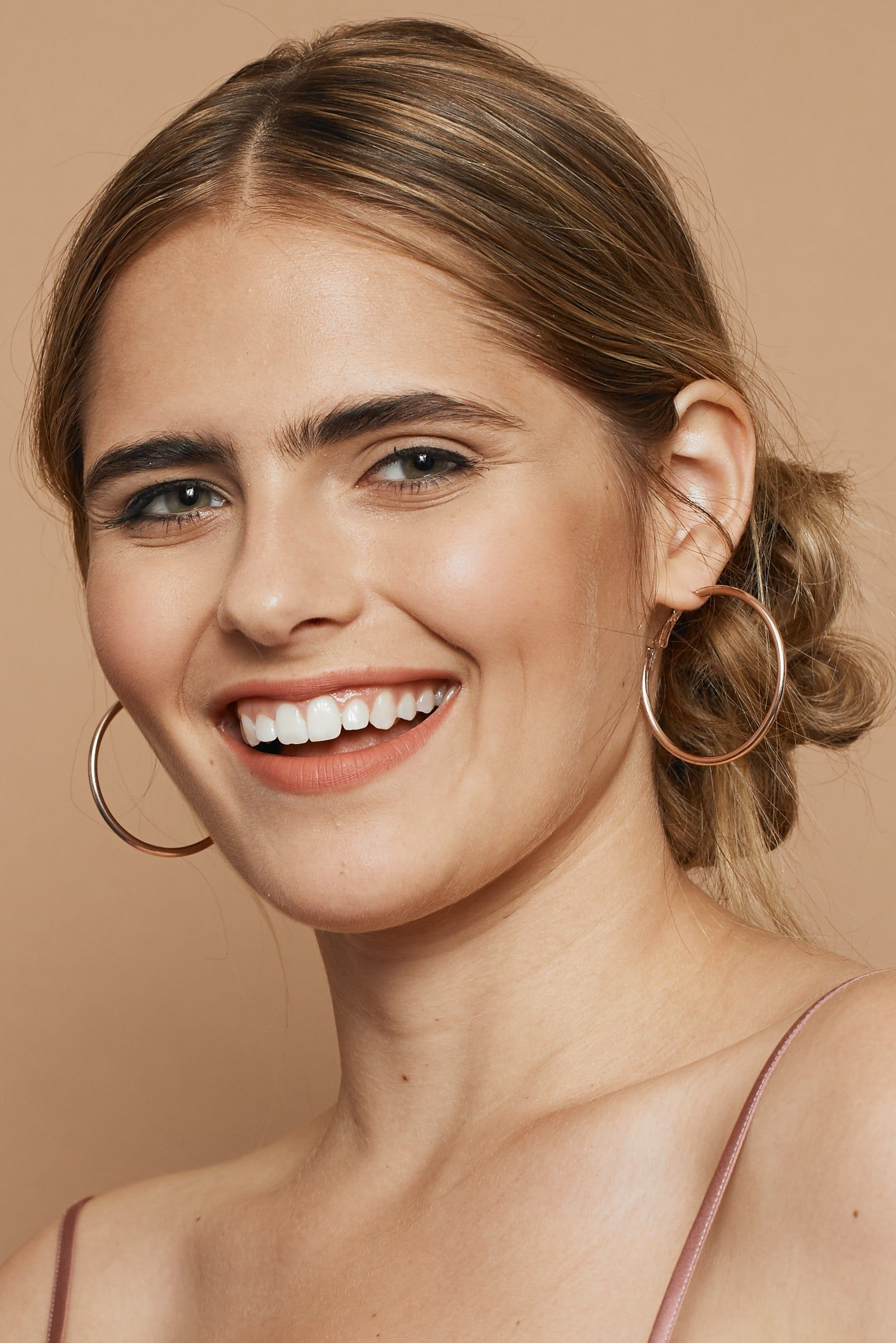 Beauty Tricks You Need to Know to Master the NoMakeup