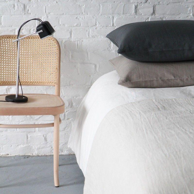 Chaise de bistrot cannée cirée incolore Esprit fifties