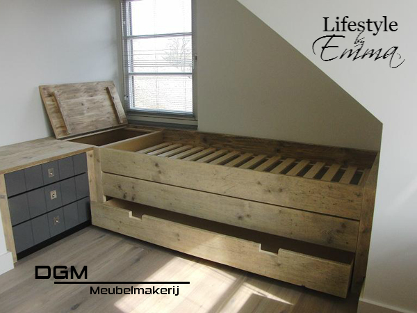 Populair bed steigerhout lade - Google zoeken | tapiceria | Bed met lades @MF26