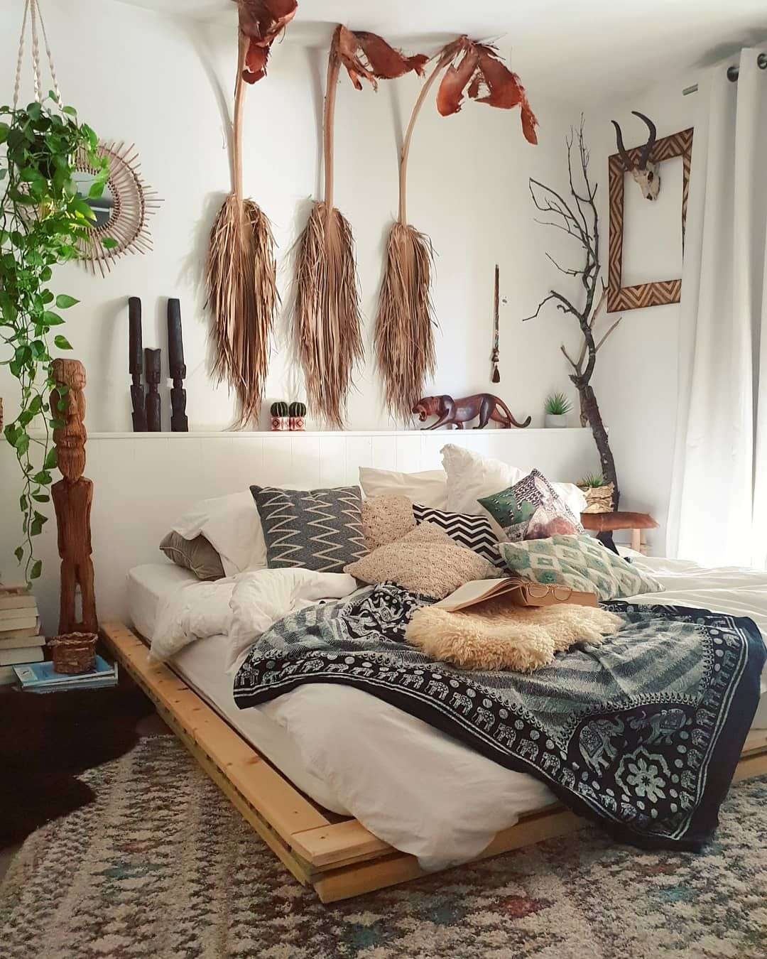 Zebodeko On Instagram Remember These Dried Palm Leaves Tomorrow I Will Use Some Fresh Ones Isit Is Bohemian Bedroom Design Home Decor Bedroom Design