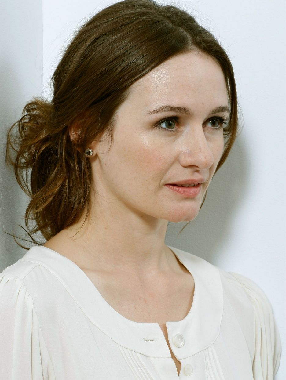 emily mortimer fansite