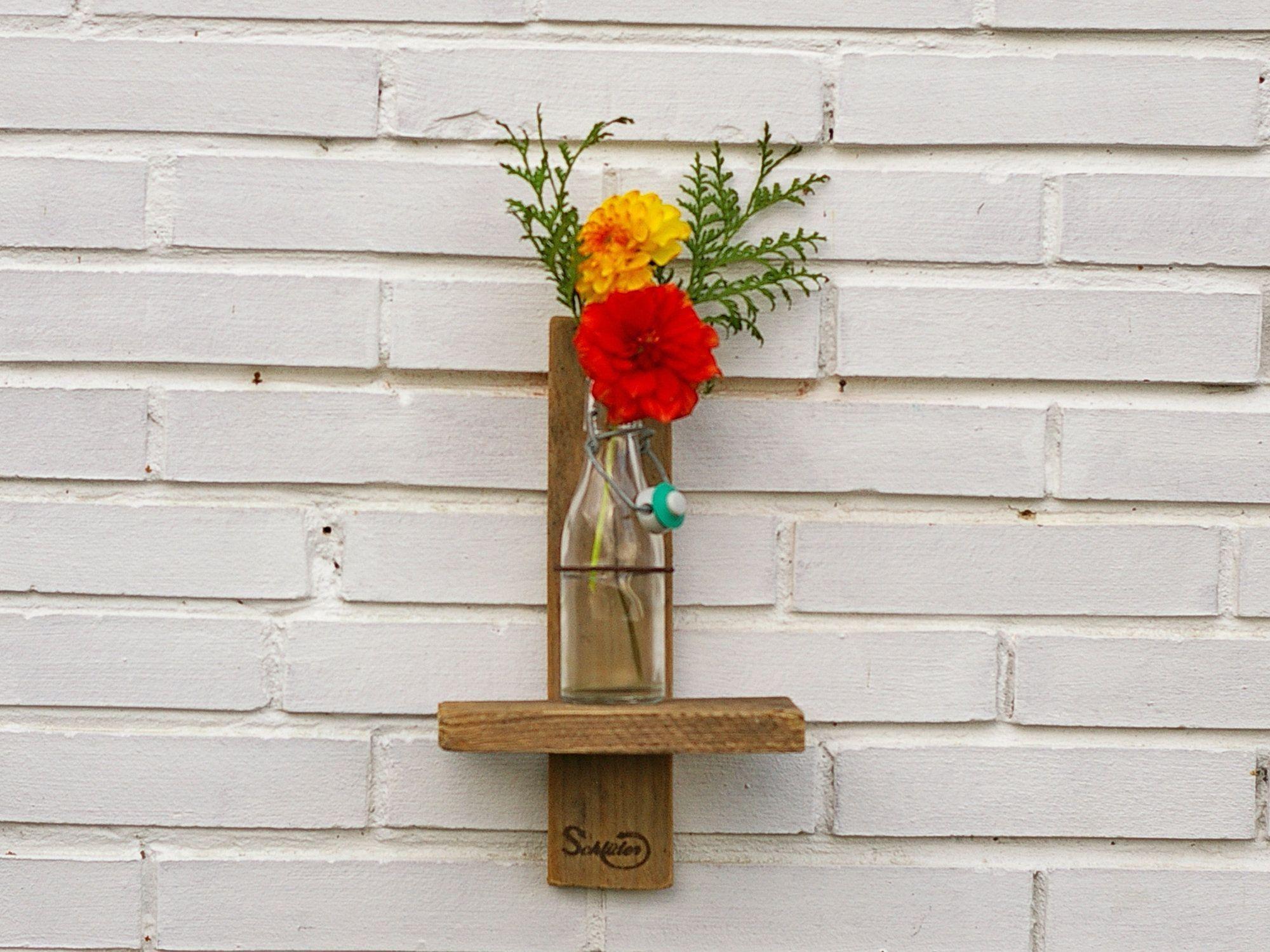Nachhaltlige Vase aus Treibholz und Altglas als Dekoration für die Wand, Upcycling Geschenkid…
