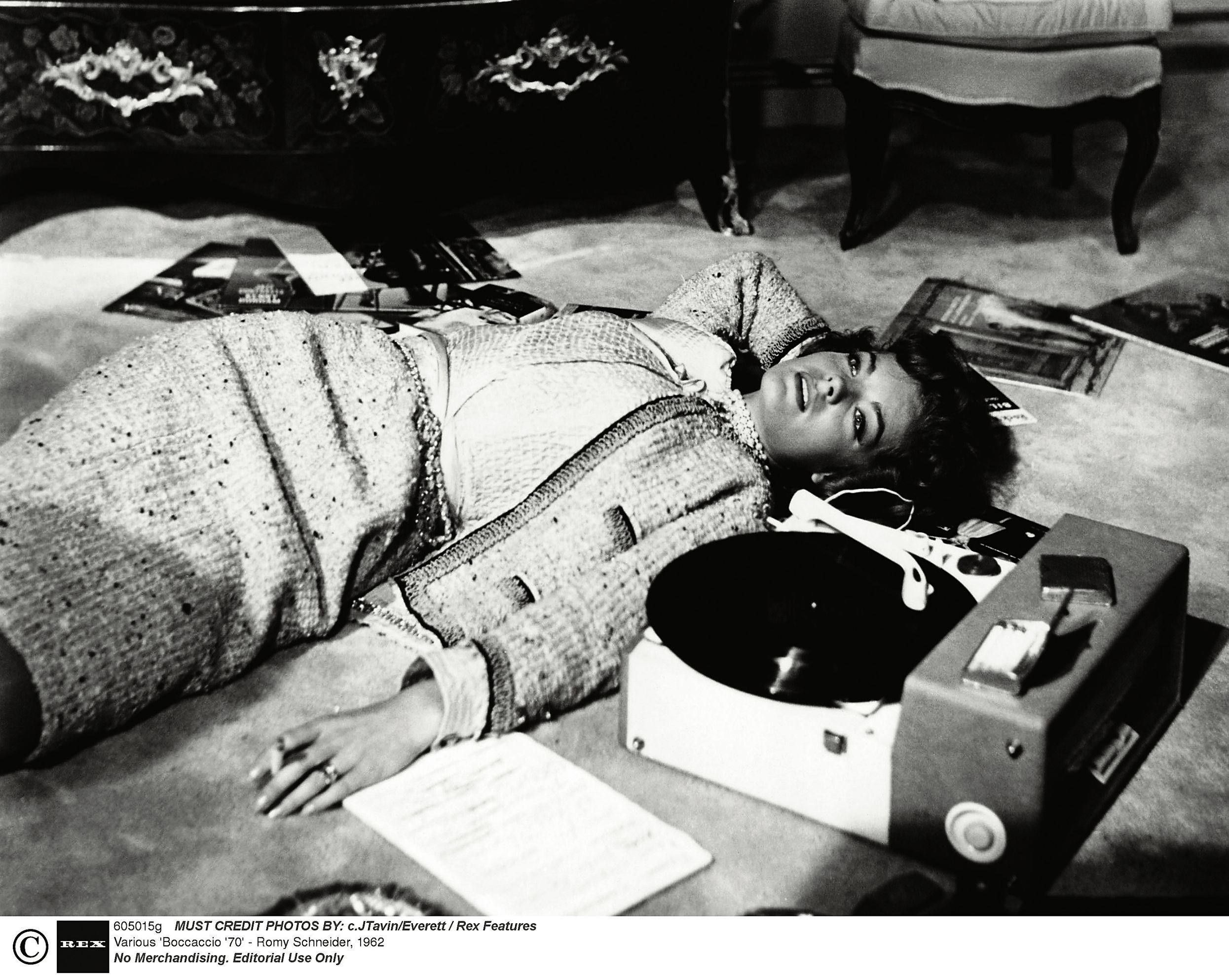 Romy Schneider in Classic Chanel suit, 1962. The suit stands alone, Romy rules the room, but cannot help loving the record player. I need one in my life.