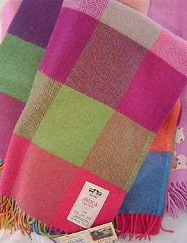 Look how bright and lovely this blanket?