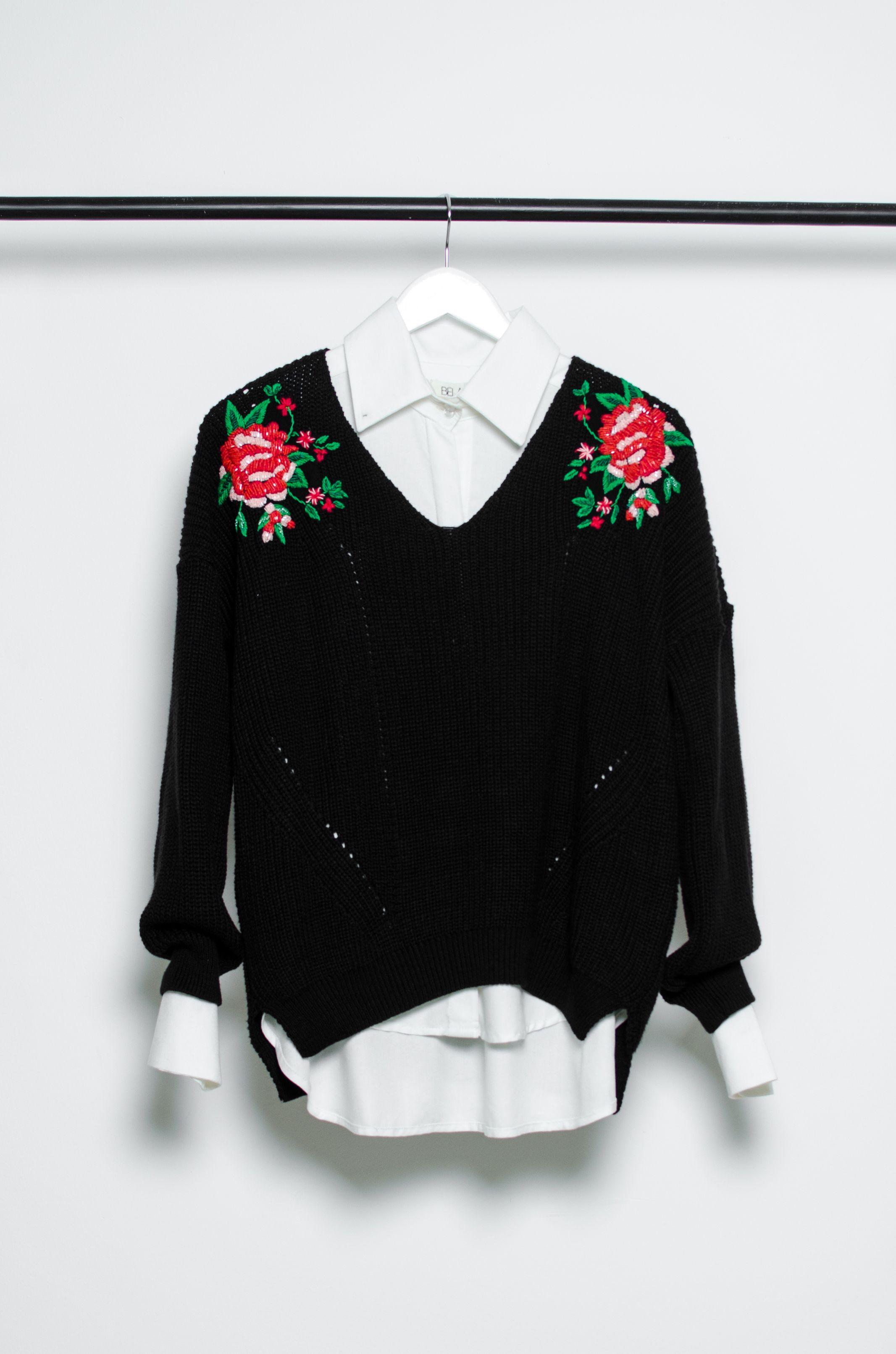 49e53254c7063 Sweater Negro con Flores.  Bordado  Flores  Black