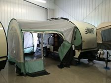 Get this FOREST RIVER R-POD 180 2700LB TRAVEL TRAILER REAR ...